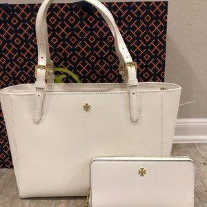 Tory Burch Small Emerson Buckle and wallet